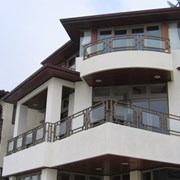 Балконы и балконные ограждения из черного металла фото