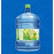 Минеральная природная питьевая родниковая вода фото