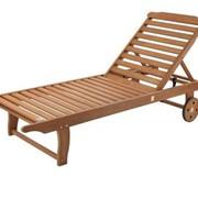 Шезлонг деревянный для дачи, пляжа фото