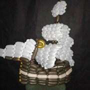 Фигура из шариков для моделирования. фото