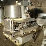 Наполнитель ДН3-1-125 Предназначен для объемного дозирования и наполнения стеклянных и металлических цилиндрических банок жидкими пищевыми продуктами фото