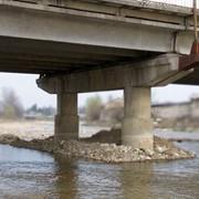 Капитальный ремонт мостовых сооружений фото