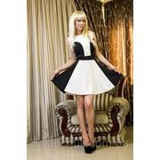 Платье черно-белое фото