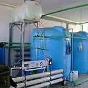 Гибридная установка возобновляемых источников тепловой энергии (воздушные тепловые насосы и гелиополе с латентным аккумулятором тепла), используемую для качественного и бесперебойного обеспечения объектов горячей водой фото