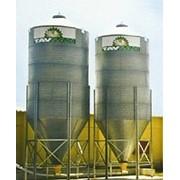 Бункеры для сыпучих кормов фото