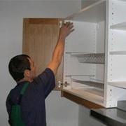 Услуги по ремонту корпусной мебели фото