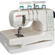 Бытовая швейная машина CoverPro 2 4/3/2-ниточная трехигольная распошивальная фото