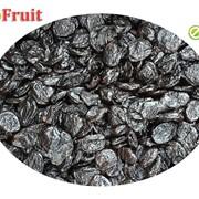 Чернослив Испанка кисло сладкая с косточкой, сорт высший фото