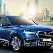 Автомобиль Audi Q7 фото