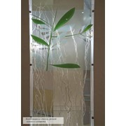 Композиция из стекла, гальки и сухоцвета. фото