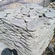 Природный камень галтованный (голыш) фото