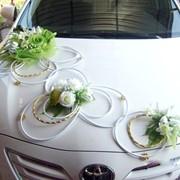 Изготовление украшений для свадебных автомобилей фото