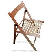 Деревяный складной стул фотография