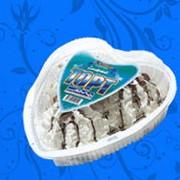 """Торт-мороженое """"Сердце"""" украшенный шоколадной глазурью и шоколадной крошкой 6 шт 800 г. фото"""