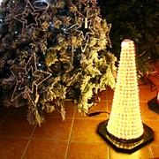 Декорация светодиод. Конус светящийся cветложелтый фото