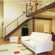 Мы изготавливаем деревянные лестницы индивидуального дизайна ОКОННЫЕ ставни из дерева, элементы интерьера и мебели из древесины, фото