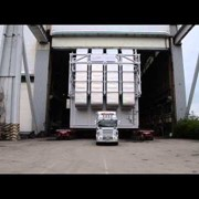 Автоперевозка опасных и крупногабаритных грузов фото