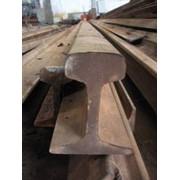 Рельсы железнодорожные узкой колеи фото