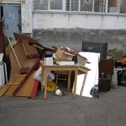 Вывоз и утилизация старой мебели, демонтаж фото