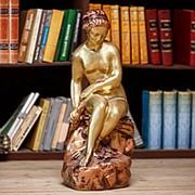 Скульптура Девушка со змеем фото