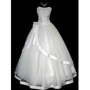 Прокат свадебных платьев,украшений на машину и других свадебных аксессуаров! фото