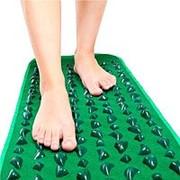 Рефлекторный массажный коврик фото