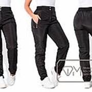 Спортивные штаны женские из плащевки на флисе ТЖ/-026 - Черный фото
