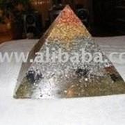 Сувенир Пирамида натуральный камень фото