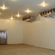 Установки воздухоохладительные для охлаждения и заморозки. Широко используются для хранения мяса, упакованных продуктов и продукции сельского хозяйства. фото