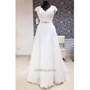 Кружевное платье со шлейфом фото