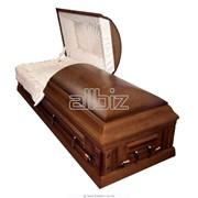 Гробы, саркофаги лакированные и мебельные - производство, от 1100 грн. фото