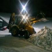 Оперативный вывоз снега фото