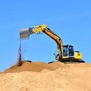 Продажа и доставка строительного песка. фото