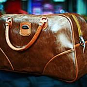 Женская лакированная сумка коричневая фото