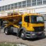 Автомобиль с подъемной платформой на АПК-КМ на базе Мерседес фото