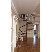 Перила для винтовой лестницы фото
