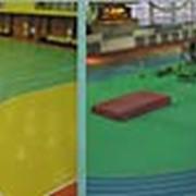 Укладка спортивных покрытий для теннисных кортов, Наливные спортивные площадки фото