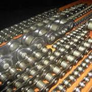 Цепь грузовая пластинчатая с соединительным валиком на одном конце отрезка цепи и удлиненными валиками. Тип 2. фото