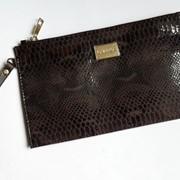 Женский кожаный клатч Valenta коричневого цвета фото