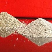 Порошки шпинельные и периклазошпильные плавленые фото