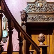Деревянные интерьеры, кессонные потолки, изготовление дизайнерских предметов мебели и интерьеров. фото