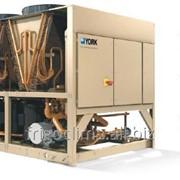 Чиллерные установки с конденсаторами воздушного охлаждения и спиральными компрессорами фото