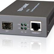 Медиаконвертер TP-Link MC220L Gigabit Ethernet фото