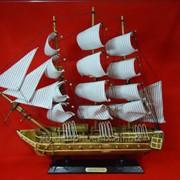 Статуэтка Корабль коричневый из дерева фото