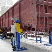 Установка домкратная передвижная для выполнения технологических операций по монтажу тележек под корпус вагонов, а также регулировки зазоров в скользунах, оборудование для производства полувагонов, пр-во Техвагонмаш, Украина фото