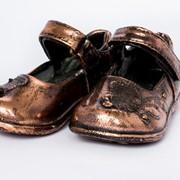 Бронзирование детской обуви фото