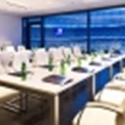 Широкий спектр бизнес-услуг с современным конференц-центром(исторический Олимпийский дворик, современный Холл Чемпионов, премиум лаунж-зоны, уникальные скай-боксы) для проведения переговоров. фото