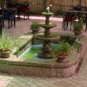 Фонтан из бассейном фото