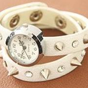 Часы с шипами, женские Белые фото
