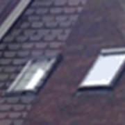 Окна мансардные с центральной осью, с поднятой осью, с двумя осями и люки для выхода на крышу фото